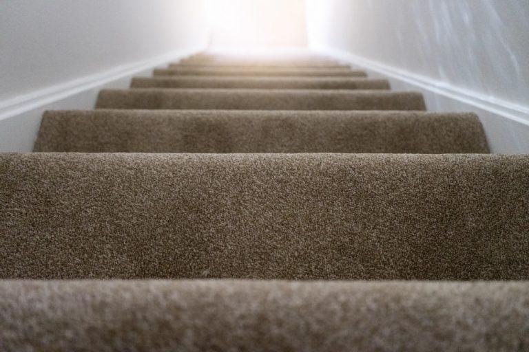 Parlons de l'antidérapant d'escalier pour plus de sécurité