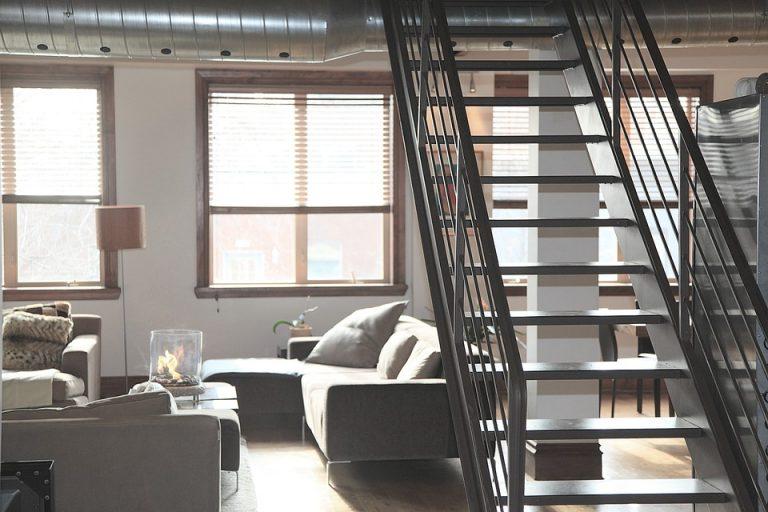 Atouts d'un escalier droit