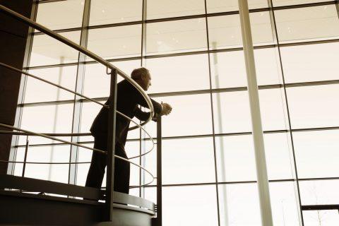 La barrière de sécurité pour escalier