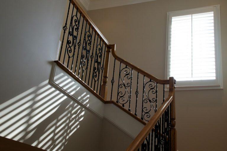 Les différents types de rampe d'escalier