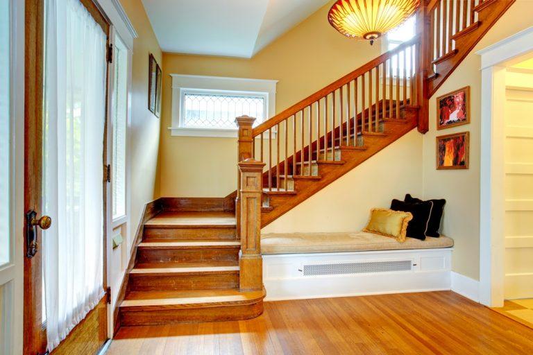 La fabrication d'escalier en bois
